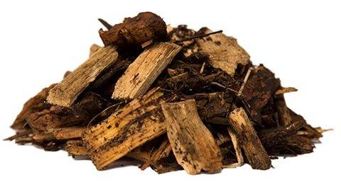 Skovflis fra Champost® , Flis og bark - Skovflis Lavet af hele træer og indeholder derfor både nåle, blade, kviste og bark. Omsættes hurtigere end træflis og andre barkblandingstyper. Frigiver hurtigere næringsstoffer til planter end træflis. Ved påfyldning udgør volumen 2,5 kbm. Da produktet e